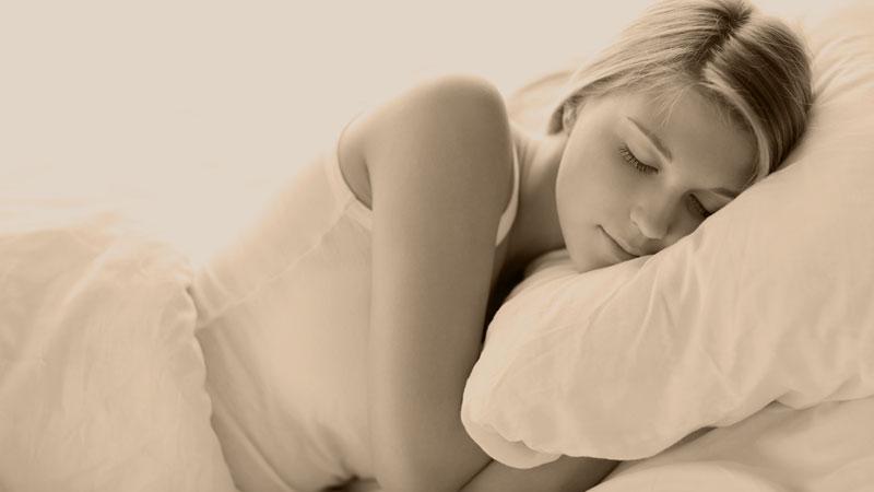 Apakah Tidur Hipnotis sama dengan Tidur Normal?